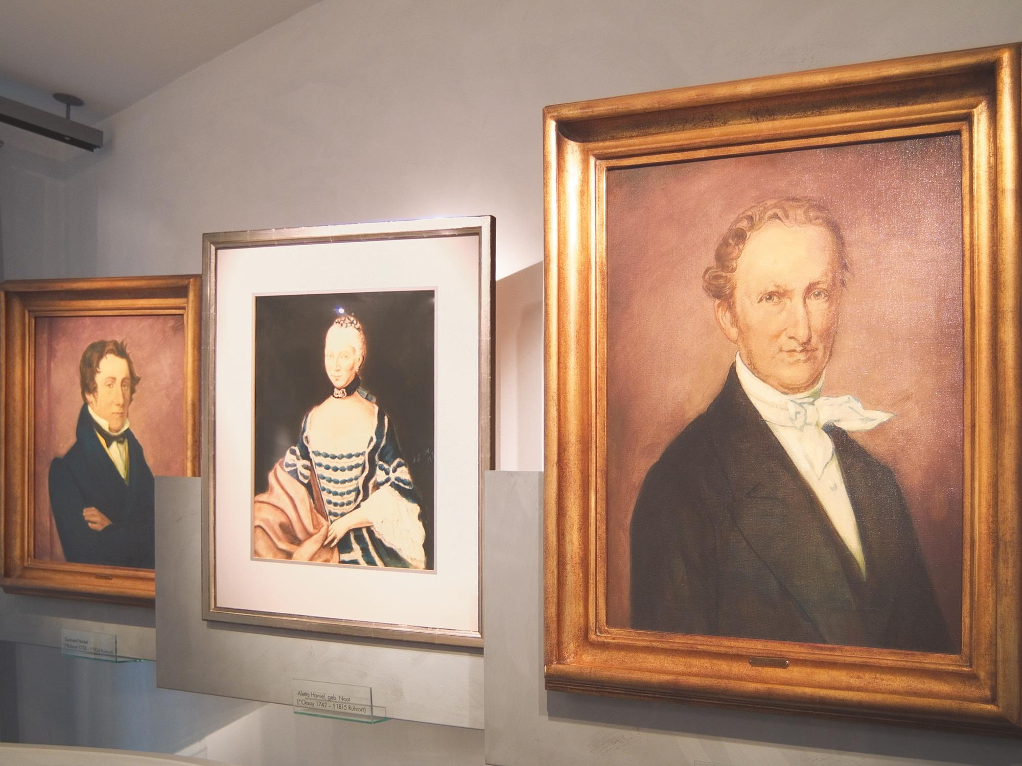 Portraits der Haniel Stiftungsgründer.